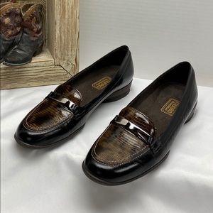 """Munro American black brown leather 1"""" heel size 9N"""